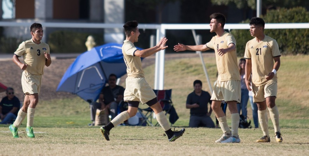 Photo for DeCouto, Rodriguez Lead Bobcats to Victory